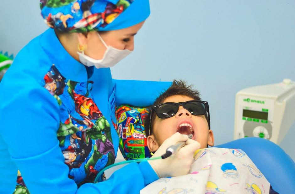 dentist with some kid